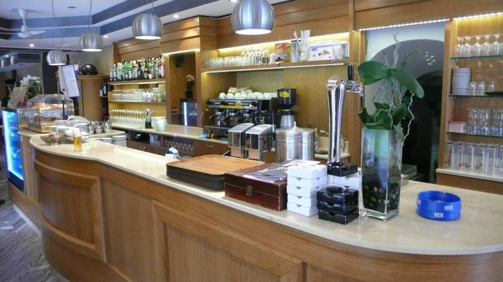 Bar bellinzona errepi falegnameria arredamenti for Ravelli arredamenti